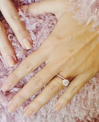 How big is Lauren Conrad's engagement ring?